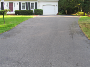 driveway sealing driveway sealing Sealcoating Picture3 e1472757636893